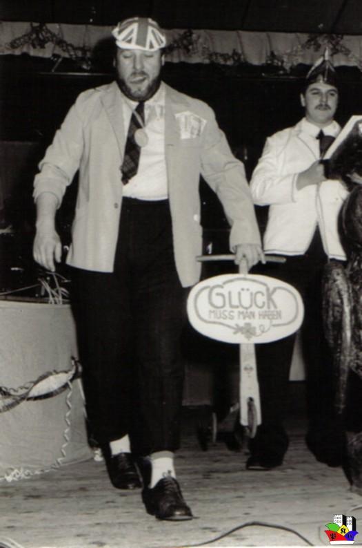 1989_-04