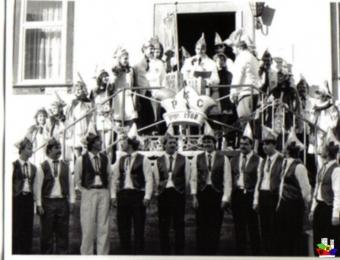 1989_-00